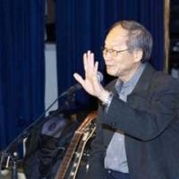 Nguyễn Đức Quang trong một buổi trình diễn ở Little Saigon, tháng 1-2011